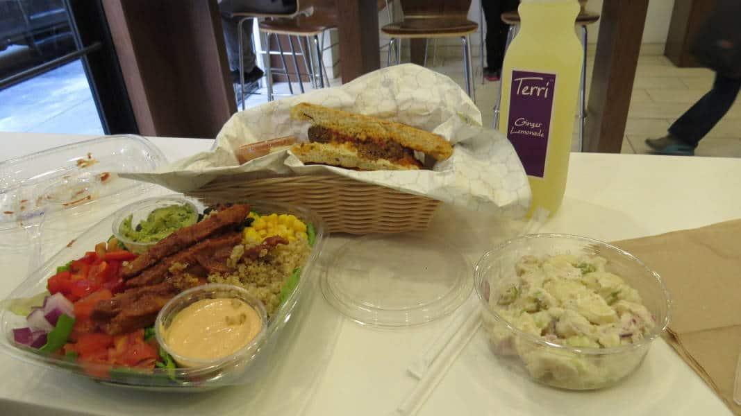 Meatball Sub und Southwestern Salad im Terri