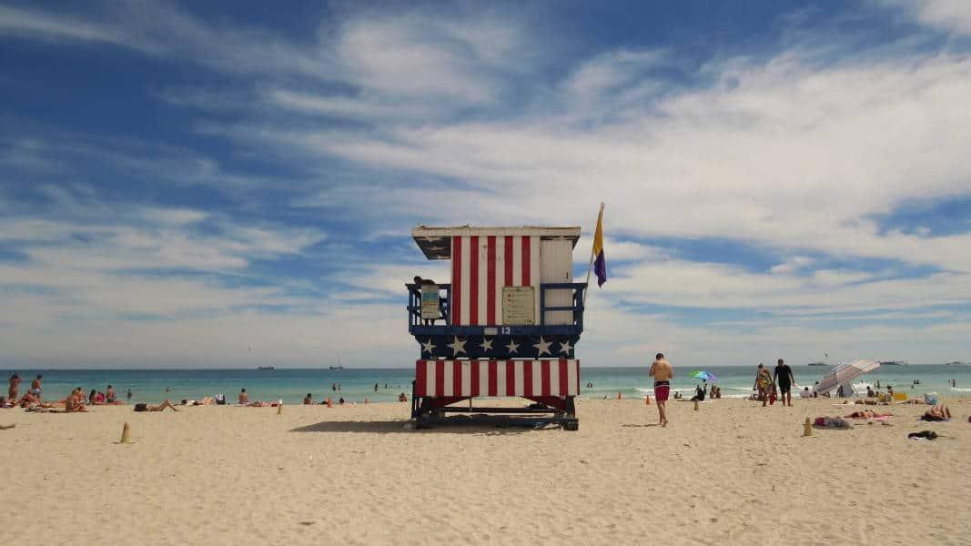 Miami Beach - baywatch tower