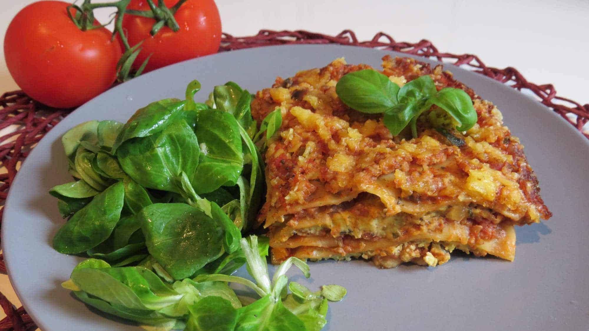 Grünkern-Gemüse-Lasagne mit Cashew-Basilikum-Ricotta (Vegan)