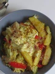 Vegane Kartoffelpfanne mit Paprika und Spitzkohl