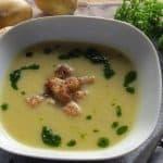 Vegane Kartoffel-Lauch Suppe mit Petersilienöl
