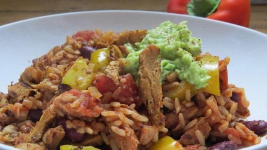 Mexikanische Reispfanne mit Soja-Schnetzel
