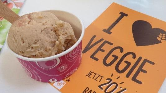 Bruna Quinoa-Haselnuss Eis