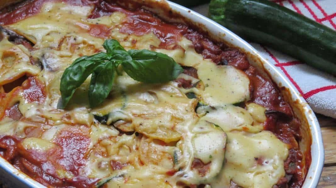 Veganes Moussaka mit Auberginen und Zucchini