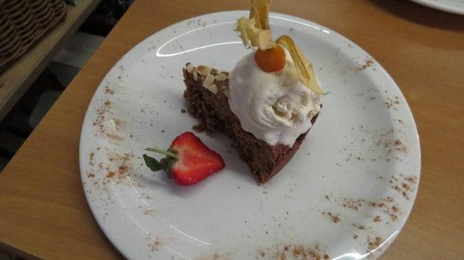 Aprikosen-Mandel Kuchen