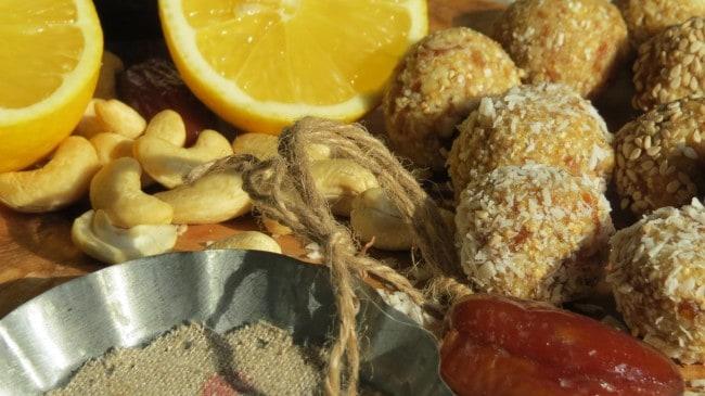 Energy Balls mit Datteln und Amaranth