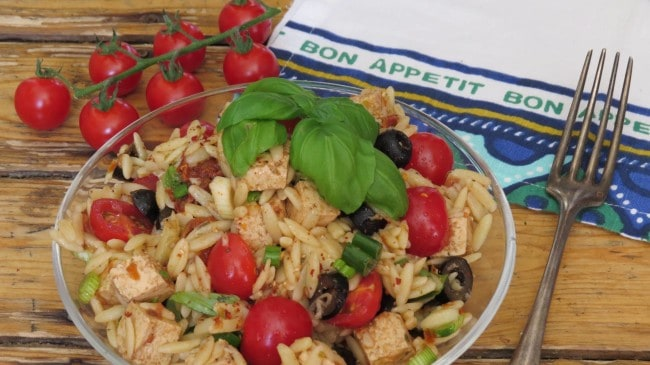 Mediterraner Orzo Salat