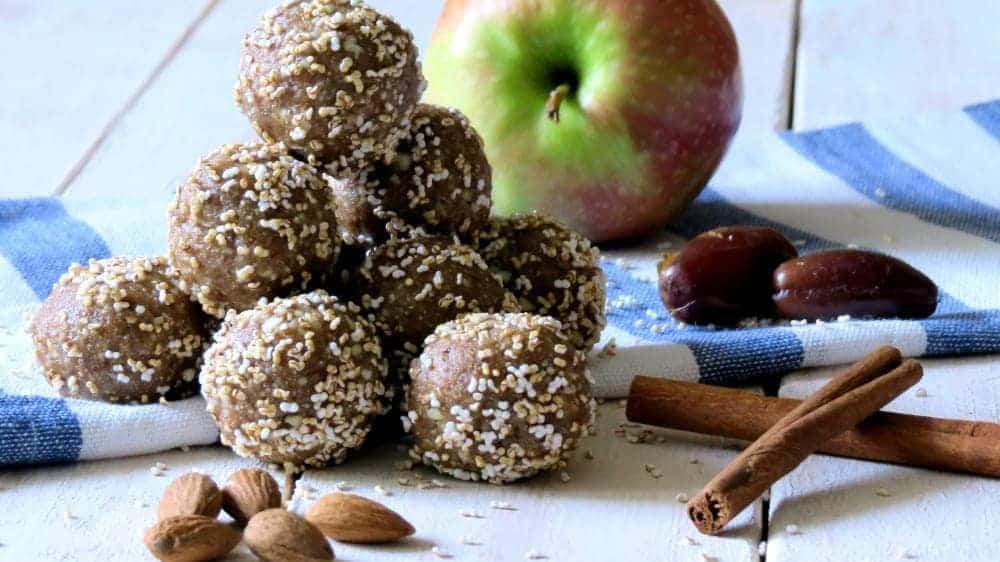 Apfel-Zimt Energy Balls