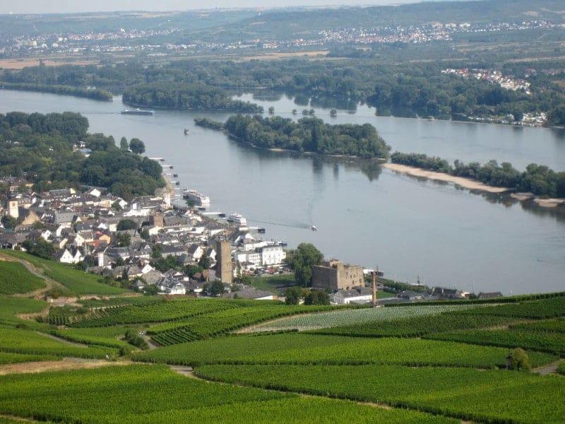 Der Rhein vom Niederwalddenkmal aus