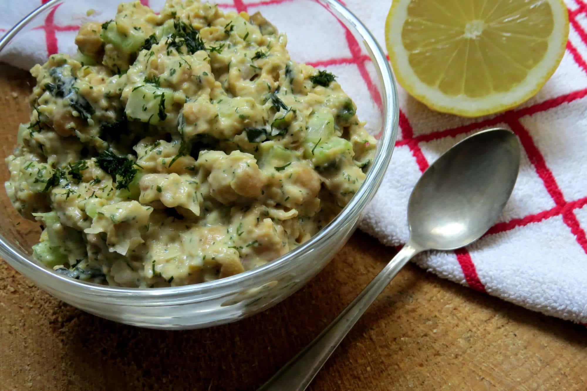 """Veganer Kichererbsen """"Thunfisch"""" Salat"""