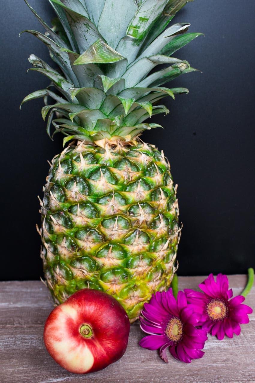 Vegane Pfannkuchen aus Buchweizen und Ananas mit Kokossahne