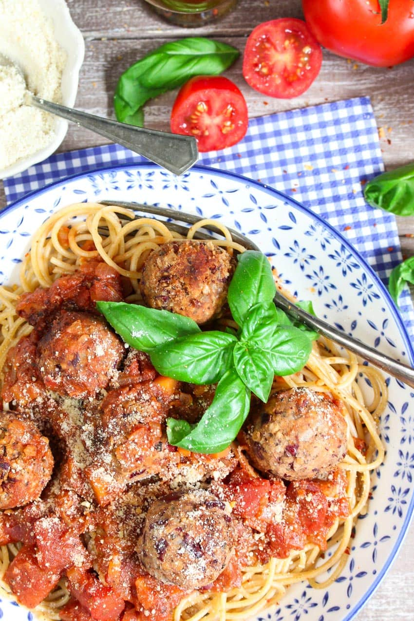 Spaghetti mit Bean Balls