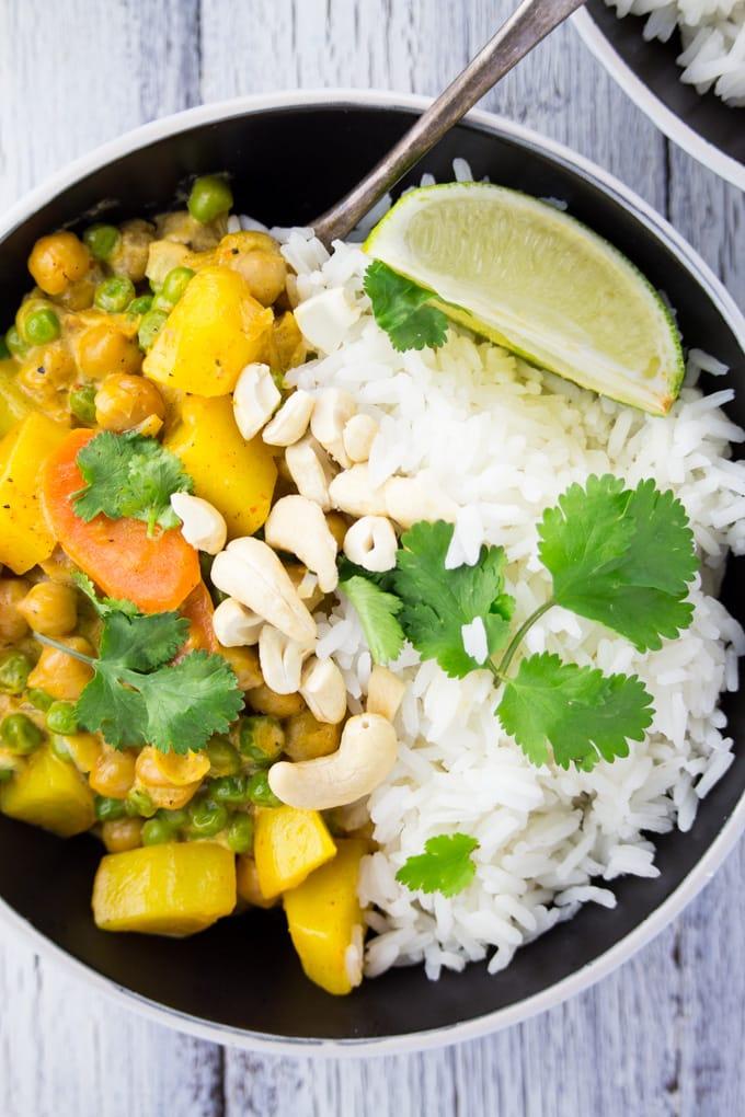 Veganes Kichererbsen Curry mit Kartoffeln