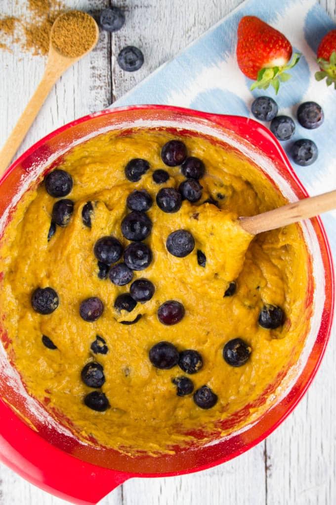 Süßkartoffel Muffins mit Blaubeeren