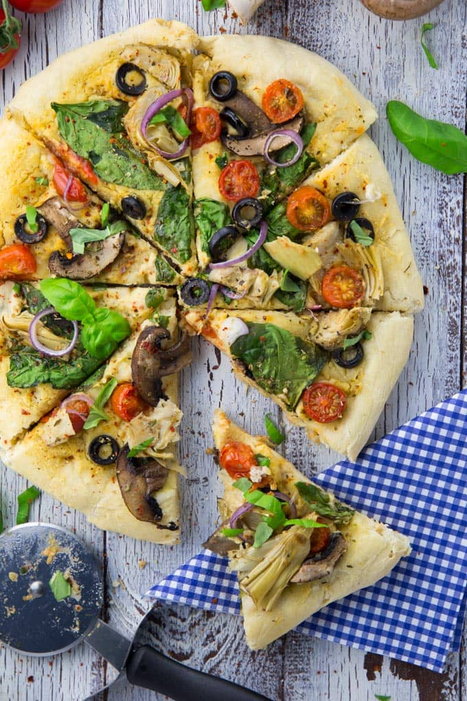 Hummus Pizza mit Spinat