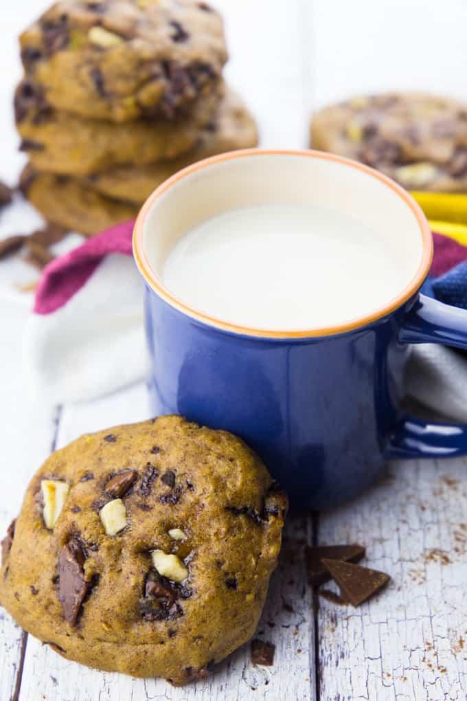 Vegane Kekse mit Kürbis und Schokolade