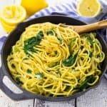 Zitronenspaghetti mit Spinat