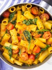 One Pot Pasta mit Spinat