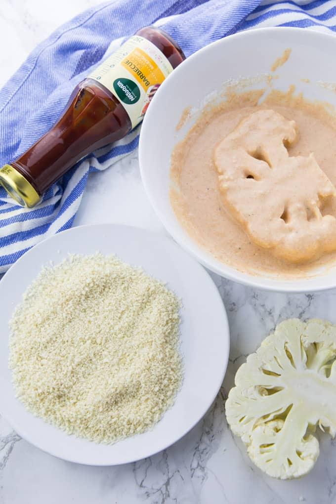Zubereitung veganer Burger mit Blumenkohl