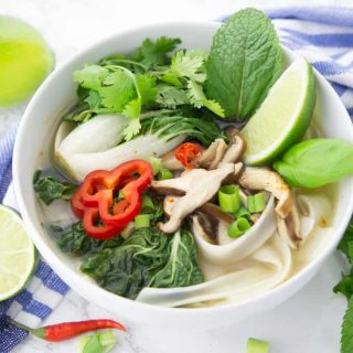 Pho – Vietnamesische Nudelsuppe